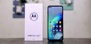 Motorola Edge S header with box