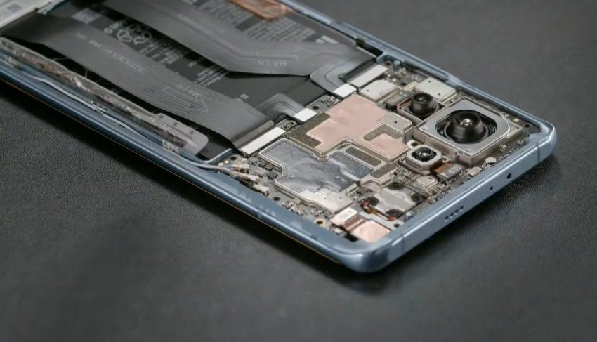 Xiaomi Mi 11 Hardware, opened phone