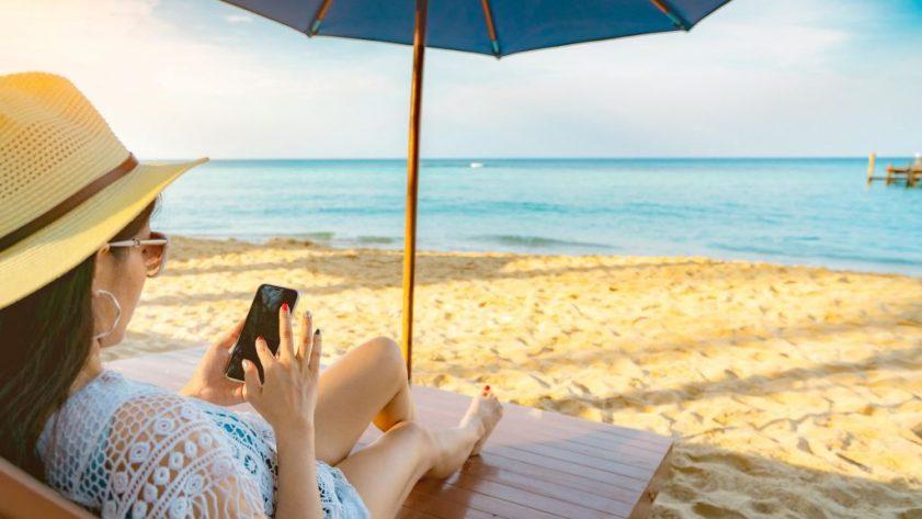 beach phone   TechBuyGuide